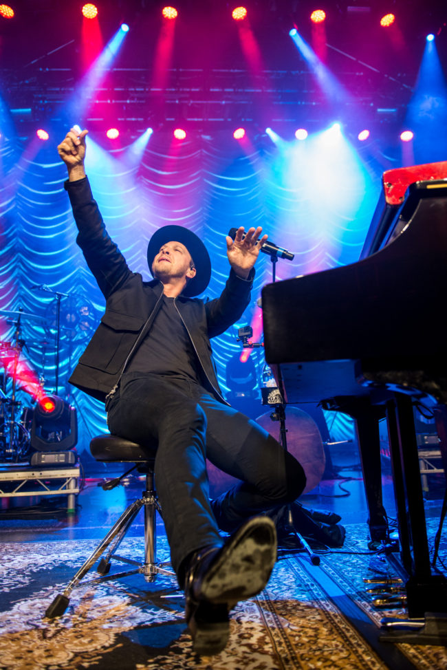 09-Gavin-Degraw-280417-VEGA-Photo-Martin-Kleisberg-650x974 Koncert